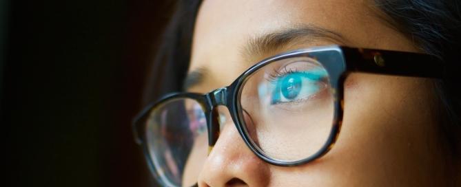 glasses-1208262_1920